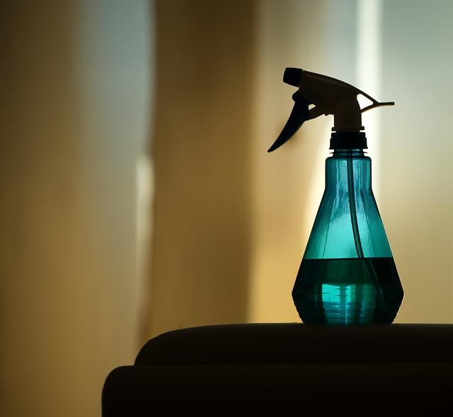 lahev s rozprašovačem