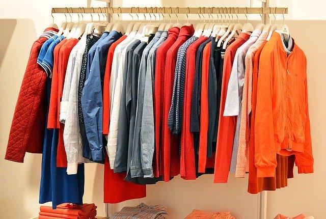 stojan na oblečení