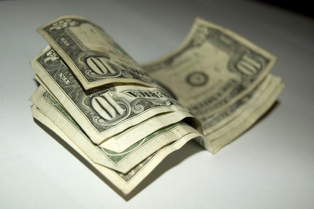 několik bankovek.jpg